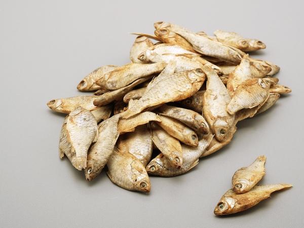 Fische (Sprotten)